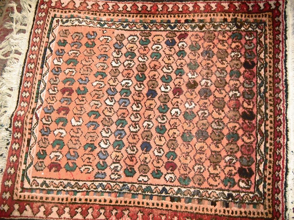 فرش بافته شده طرح بادامی